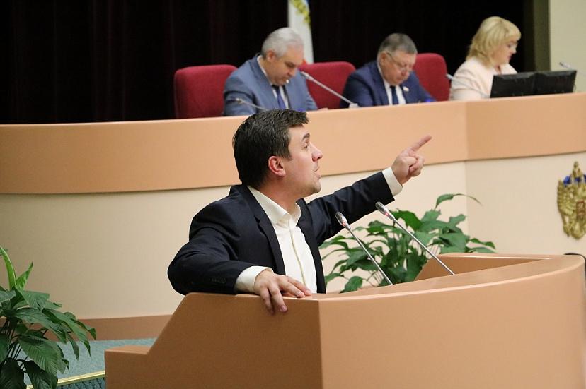 Коммунист Бондаренко предложил миллион за участие в проекте Навального