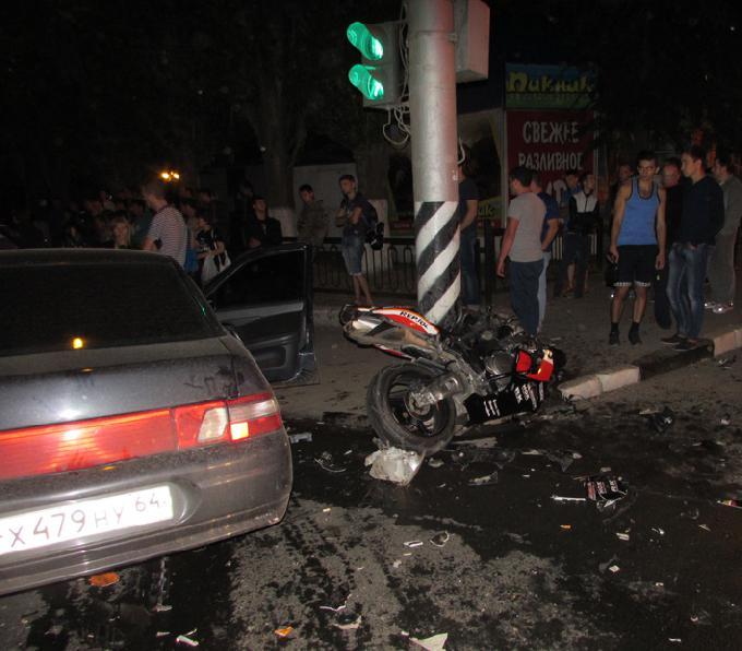 На Чернышевского разбился мотоциклист - Саратов