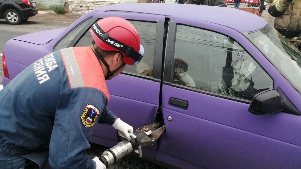 Автоледи покалечилась в ДТП с грузовиком под Саратовом