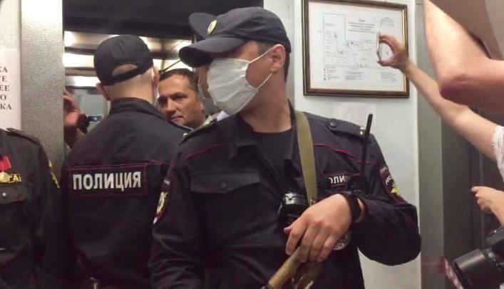 Работа в полиции для девушек саратов вебкам эротика с моделью на работе