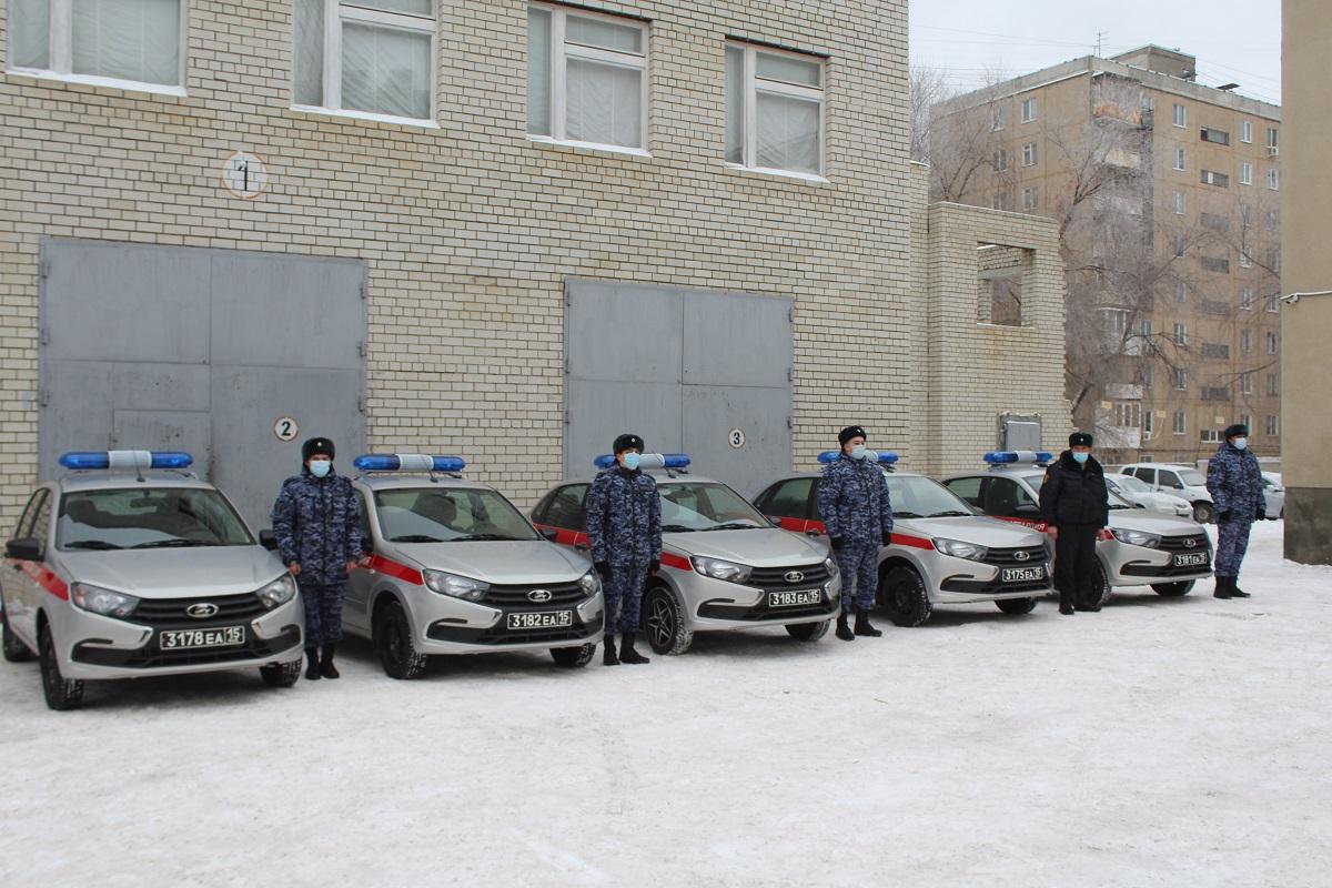 Саратовские росгвардейцы получили новые автомобили
