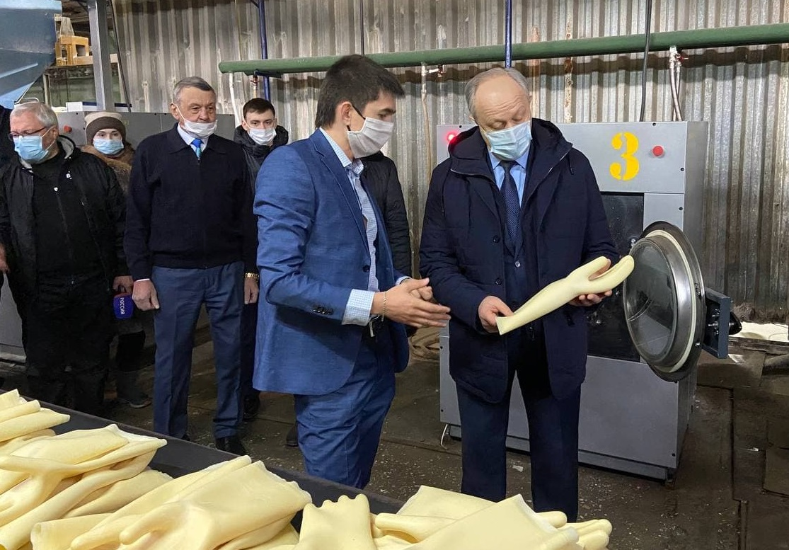 Губернатор предложил изменить упаковку изделий саратовского завода