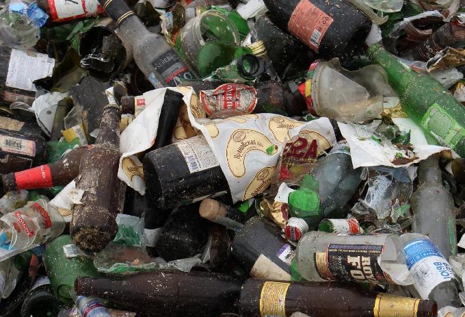 На энгельсский МПК поступило более 23 тысяч бутылок из-под шампанского