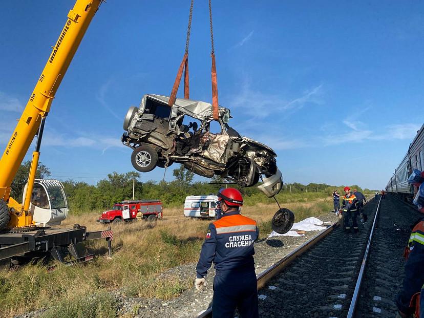 Аварией с тремя погибшими под Саратовом заинтересовались прокуроры