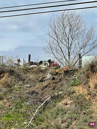 Чиновники объяснили платные услуги на кладбище в Энгельсе