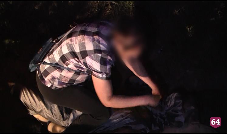 Избитый и изрезанный пьяной парой саратовец умер на обочине